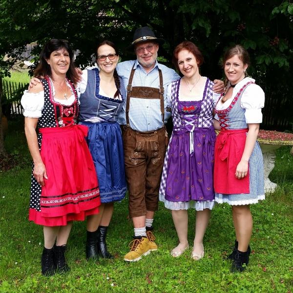 FarmerAlm – Die Fest-Alm mit Charme - kontakt infos - team